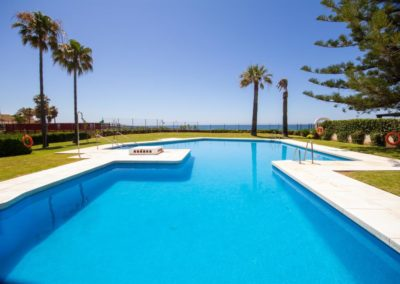 Reikon Holidays Calahonda Pool